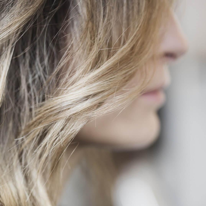 Få naturligt smukt hår hos Frisør Pii