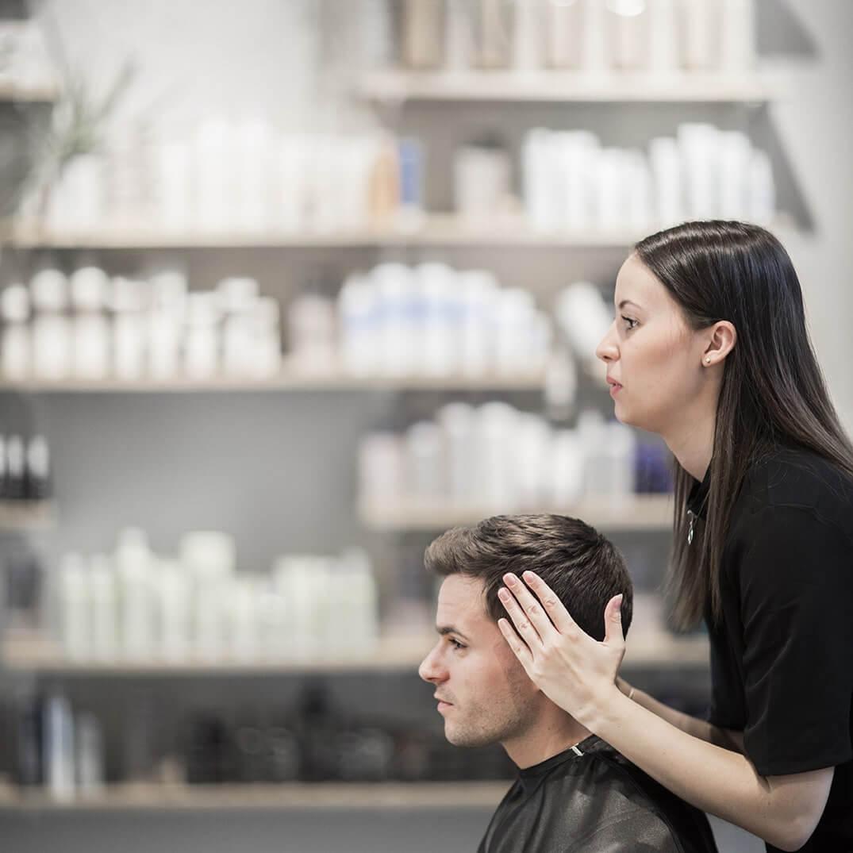 Vi tilbyder herreklip hos frisør Pii i København H
